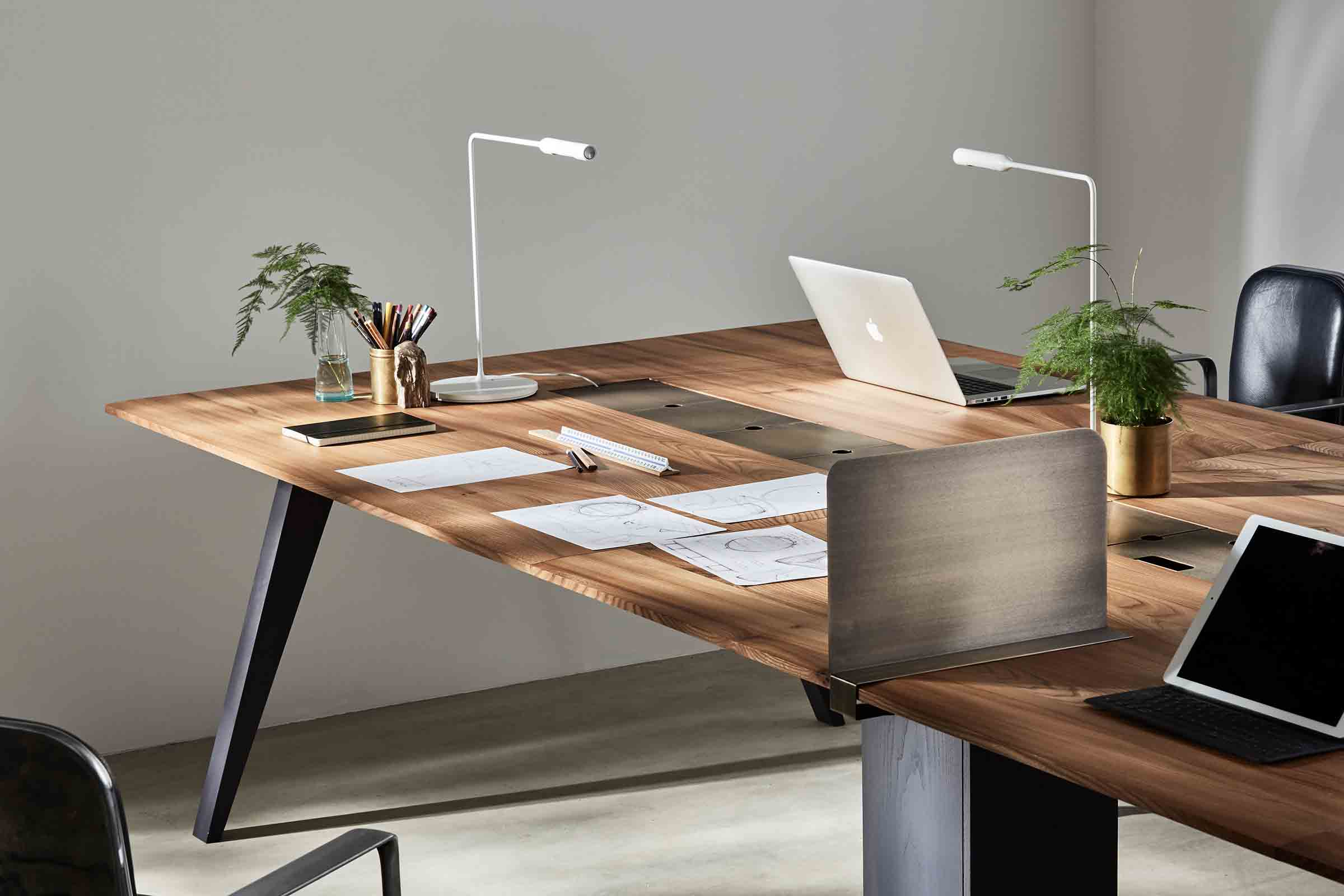 Workbench desks in solid timber